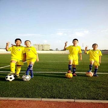 2019年全国青少年体育夏令营赤峰市足球夏令营